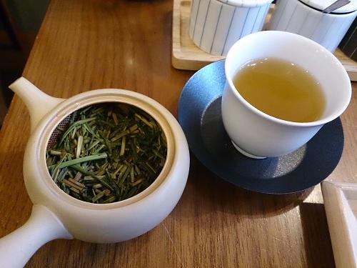茶茶の間・二煎目