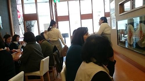 茶寮 煉・店内