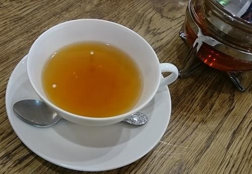 高幡不動フジウ・紅茶